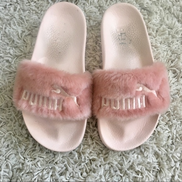 size 40 79ff3 f8581 • Pink Fenty x PUMA Furry Slides •